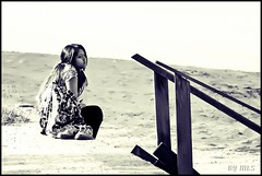 Lost Soul (Maria Luiza S) Tags: soul lost alma almaperdida guaiuba guaruja girl moa bw pb beach praia