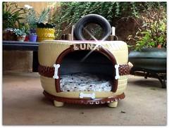 IMG_4550-001 (Ciranda Cirandinha Artesanato) Tags: casinha cachorro pneus reciclagem tires recycled doghouse