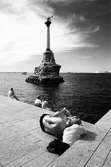 (nVa17) Tags: stphotographia sevastopol blacksea sea water crimea bay monument stranger strangers            street streetphotography streetphoto blackandwhite blackandwhitephotography blackwhite bnw bw