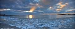 Panoramic view of the sunset over Lake IJsselmeer near Makkum (Rijko) Tags: sunset zonsondergang icefloes ijsselmeer hol makkum avondrood ijsschotsen lakeijsselmeer dehollepoarte