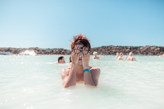 (oscarW.) Tags: trip travel blue asian 50mm iceland couple lagoon cannon 24mm 7020mm