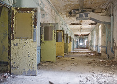 Grisaille Psychiatric Hospital 2008. (porc3laind0ll) Tags: abandoned hospital exploring haunted creepy vacant asylum decayed ue urbex kirkbride