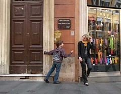 sigaretta 3 (Andy WXx2009) Tags: street city boy people italy woman rome roma sexy girl beauty fashion shopping europe child cigarette candid femme streetphotography style smoking doorway blonde talking scarfe senorita