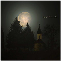 (tozofoto) Tags: travel trees sky moon travelling church colors canon landscape lights europe hungary shadows moonlight zala tozofoto fleursetpaysages lelitedespaysages