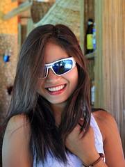 Liezel with sunglasses (Setiritter) Tags: girls portrait beach girl artistic philippines diving resort filipina visayas negros philippinen occidental sipalay