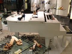 Shoestore, LIPOMALL, Jakarta! (ANNE LOTTE) Tags: indonesia shoes asia piano jakarta viagem schuhe indonesien shoestore klavier annelotte shoppingjakarta
