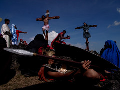 Good Friday, Philippines (Peter_O'Driscoll) Tags: street blackfriday cross roman philippines streetphotography christian jordan inri tau isa y