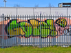 Den Haag Graffiti (Akbar Sim) Tags: holland graffiti g nederland denhaag illegal groengeel akbarsimonse akbarsim