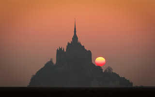 Lever du soleil sur une merveille normande