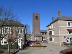 Nijmegen, Doddendaal (Stewie1980) Tags: tower netherlands canon nijmegen toren nederland powershot gelderland nimwegen sx130 nimgue doddendaal sx130is canonpowershotsx130is parkdwarsstraat