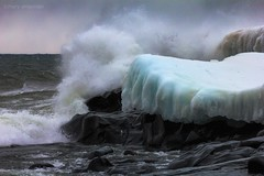 Surging Sea (Boreal Bird) Tags: storm amazing waves power wind lakesuperior fury brrrrr mpr stoneypoint