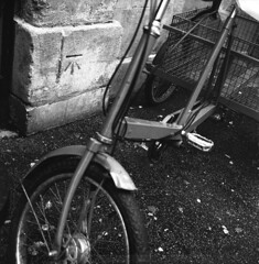 Ordnance Survey (David Stumpp |[o]| Photography) Tags: uk sea england 120 film home facade rolleiflex photoshop gum kodak britain tmax scanner pavement tricycle stonework united great wheels masonry kingdom tires mortar level oxford 400 chewing epson medium format mf pelicula pedals cart asphalt survey developed planar ordnance pellicola 35f v500 cs6 wwwdavidstumppcom