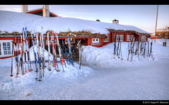 Done skiing for the day - Storerikvollen (vegarste) Tags: winter snow ski norway architecture norge vinter cabin nikon europe skiing norwegen lodge april tt scandinavia sørtrøndelag hdr dnt snø arkitektur hytte sylan trøndelag d90 3xp photomatix tonemapping tydal 3exp dennorsketuristforening storerikvollen trondhjemsturistforening lodgetolodge