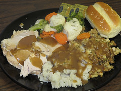 Turkey dinner (Coyoty) Tags: food college vegetables dinner turkey bread stuffing cafe mashed potatoes connecticut ct gravy roll chives farmington whipped cornercafe dinnerroll tunxiscommunitycollege