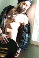 Music II (felipeamaralb) Tags: violo oquepodeocorpo face young nu guitar nuartstico man urban jovem nude retrato tattoo portrait nikkor tatuagem homem filosofia