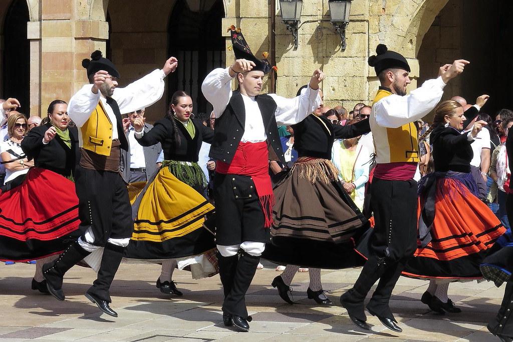 Resultado de imagen de baile gallego