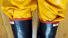 Please let it rain... (essex_mud_explorer) Tags: rubber wellies wellingtons wellington boots rubberboots rubberlaarzen rainboots gummistiefel gumboots wellingtonboots argyll black gates madeinbritain rainwear waterproof raincoat rainjacket rainbib bib bibandbraces hellyhansen nusfjord