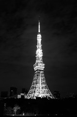 L1010270-2 (Zengame) Tags: leicat architecture cc cloud cloudy creativecommons illuminated illumination japan landmark leica night summicron summicron235 tokyo tokyotower tower  235   t         jp