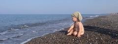 Alfa e Sara (biofafoto) Tags: sguardo bambino orizzonte spiaggia mare foto fabio cesalli