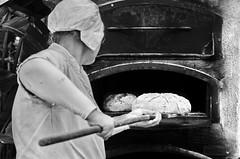 bakerman is baking bread II (micagoto) Tags: bread brot backen baking ofen oven craft handwerk