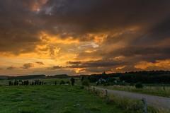 Coucher de soleil Remeaux (peterfatson) Tags: pentax k3 1685 wr sunset nuage nuages cloud clouds couleurs paysage landscape coucherdesoleil