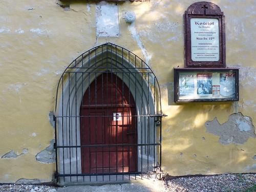 Portal południowy kościoła św. Mikołaja w Świnach