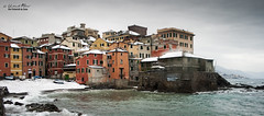 Preparemose.... (Umberto Fistarol) Tags: sea italy snow seascape weather photography big italia photographer genova neve boccadasse villlage