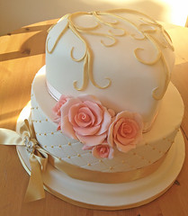 Ivory Peach Wedding Cake 1