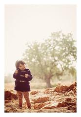 Paoque (rabato) Tags: winter kids woods luca bosque invierno sitges daro babyboom
