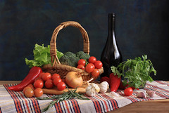 Red Green Show (panga_ua) Tags: stilllife art water vegetables composition canon spectacular pepper healthy artwork basket artistic availablelight decorative tomatoes broccoli ukraine poetic onions lettuce creation greens garlic imagination natalie cloth oakwood parsley reds leafy arrangement tabletop bodegon naturemorte panga artisticphotography rivne vegs naturamorta artphotography sharpfocus glasscup redgreenshow lactucasativa petroselinum saladvegetables woodentabletop darkbottle  nataliepanga pastelsbackground
