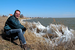 13/52 Frozen Shores (Meteorry) Tags: boy lake selfportrait man cold holland me water netherlands sunshine amsterdam march frozen europe village autoportrait north nederland moi jeans bomber shores paysbas froid nord durgerdam homme noordholland noord rivage meteorry 52weeks 2013 alphaindustries meindl bomberjack buitenij landelijknoord perrytak glacs chillfactor durgerdammerdijk 52semaines fringeofreeds