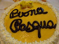 Pasqua gioiosa  -  Easter joy (Cristina 63) Tags: italy food white yellow cake easter torino europa europe italia chocolate cream piemonte giallo chicks turin bianco piedmont torta cibo cioccolato pasqua panna pulcini gelaterianico
