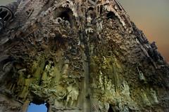 Detalle (Jocarlo) Tags: barcelona art edificios ngc esculturas templos photowalk monumentos iglesias nationalgeographic escudos photowalkmelilla pwmelilla jocarlo flickrclickx