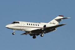 Private   Hawker 800XP   ZS-MNU (Globespotter) Tags: private intl hawker tambo 800xp zsmnu johannesburgor