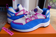 Wmns Nike Huarache Light 'Blue Crystal / Red Plum' ('93). (gooey_wooey) Tags: light vintage sneakers trainers nike og kicks huarache nikeair bluecrystal redplum huarachelight