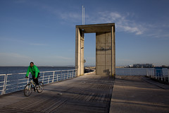 (Gonalo_Ferreira) Tags: travel parque rio river cyclist expo lisboa lisbon ciclista tejo tagus nacoes 5dmkii