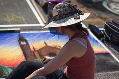 Street art (2) (Roberto Spagnoli) Tags: ragazza girl fotografiadistrada streetphotography madonnari gessetto chalk curtatone fieradellegrazie hat 50mmcanon art streetartist