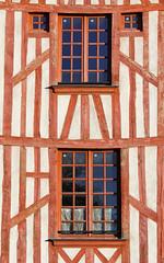 Colombages d'Orlans...ils ont une bonne tte :) (jjcordier) Tags: orlans colombage faade maison fentre centre