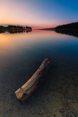 Failed (Nico photographies) Tags: landscape lake levdesoleil sunrise trunk nature sky summer amazing auvergne canon 1018 alone francelandscapes forest fort lueur ambiance colorfull color water sun reflection france french puydedme