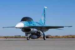 920461 F-16B Fighting Falcon - 07 / NSAWC - NAS Fallon, NV (David Skeggs) Tags: aircraft airplane aeroplane military usn usnavy nsawc topgun fallon davidskeggs aggressor avgeek f16 fightingfalcon f16b