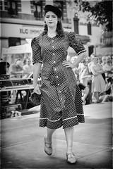 Dfil de mode (Des.Nam) Tags: nb noiretblanc nikon nord nordpasdecalais dfil robe chapeau voilette bw blackwhite bthune bthunertro2016 fifties rtro vintage girl glamour desnam d800 70200mm 70200f28