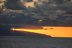 Entardecer (h_pestana) Tags: ocean sunset sea sun sol portugal atardecer mar nikon madeira atlanticocean oceano entardecer oceanoatlantico d3000 postadosol