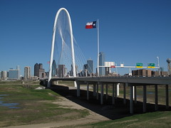Another Margarent Hunt Hill Bridge Picture (ty law) Tags: sculpture art architecture dallas texas dfw fortworth santiagocalatrava presidentsdayweekend bridgetonowhere trinityriver floodplain cablestayed metroplex woodallrogersfreeway margarethunthillbridge oilwealth dallaspresidentsday2013
