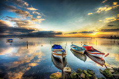 Colours of sunset (Nejdet Duzen) Tags: trip travel sunset sea cloud reflection turkey boat bravo day türkiye deniz sandal izmir bulut günbatımı yansıma turkei seyahat bostanlı mavişehir mygearandme pwpartlycloudy