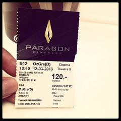 เมื่อเช้าตอนเรียนครูสมศรีลืมจองเวลาเรียนฟิสิกส์ ไม่มีเครื่องว่างเลยจ้าาา เลยหนีมาดูหนังคนเดียวซะเลย 120฿เอง☺☺ #Paragon #Cineplex #OzGreandpowerful #Cinema #today #waiting #BKK #Thai #summer #movie #