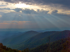 Laurel Mountain Sunrays, Blue Ridge Parkway, North Carolina (netbros) Tags: northcarolina blueridgeparkway mtpisgah laurelmountain northmillsriver buckspringgapoverlook netbros internetbrothers milepost4077