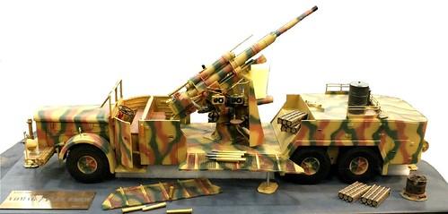 Wespe Vomag con flak 88mm
