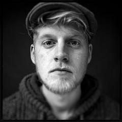 Kas max Tilt (Peter de Bock (exploring)) Tags: portrait people blackandwhite bw man black photoshop canon studio model focus power outoffocus 5d setup 24mm tilt portret softbox strobe tiltshift tiltandshift strobist pdbfoto peterdebock