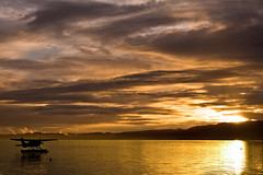 Wake up on Rotorua lake (Nuxis [Davide]) Tags: newzealand lake clouds sunrise airplane rotorua sony a77 sonyalpha alpha77