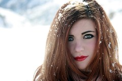Mi retrato en Asturias y su nieve. (S.Pedreira) Tags: fab portrait people naturaleza white color art textura nature colors girl canon vintage hair eyes europa europe flickr day asturias colores lips sensual nia retratos ojos labios calles momentos desnudos pestaas miradas naturesfinest delicadeza sentimientos delicado emociones digitalcameraclub anawesomeshot theunforgettablepictures natureselegantshots memorycornerportraits romanianbeauties